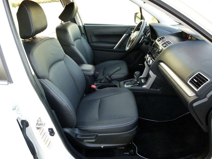 Subaru Forester. Acceso a los asientos delanteros