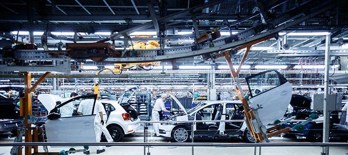 Línea de montaje de la factoría de Landaben, próxima a Pamplona, donde se fabrica el Polo.