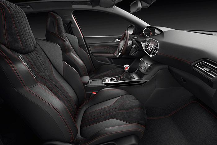 """De diseño un poco menos """"racing"""" que los del 208 GTi, los asientos también son muy deportivos, y de excelente sujeción lateral."""