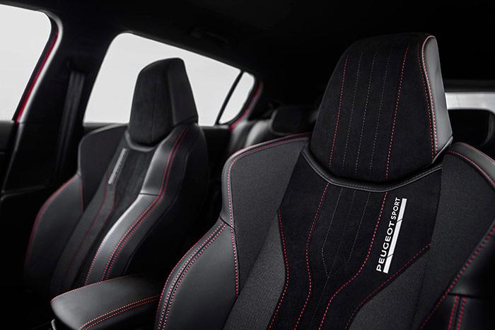 El departamento Peugeot Sport deja notar su influencia en el coche allá donde sea visible, ya que el origen de mecánica y ruedas sólo lo conocen los entendidos.
