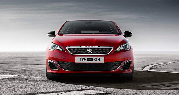 El diseño frontal tiene un aspecto poderoso, pero no recargado: un turbodiesel de menos de 100 CV puede presentar un aspecto similar.