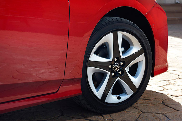 """El neumático que trae el nuevo Prius a nuestro mercado es exclusivamente el de llanta 17"""", pero ahora sí es de baja resistencia a la rodadura, y no como antes."""