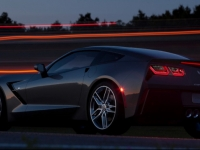 2014-chevrolet-corvette-007-medium