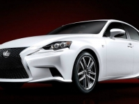 2014-lexus-is-23