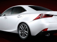 2014-lexus-is-43