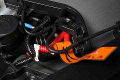 Cables por donde los equipos de rescate pueden cortar el suministro eléctrico en caso de accidente.