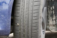 Estado final del neumático delantero izquierdo (tras 16 pasadas).