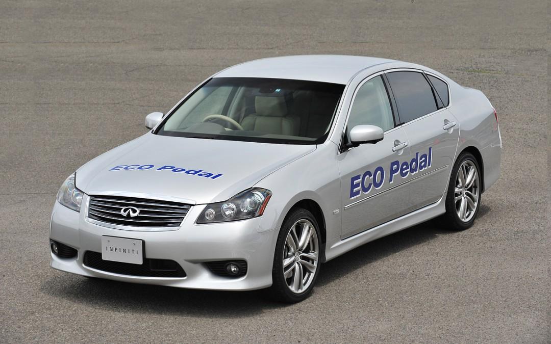 Nissan inventa el «ECO-pedal», un dispositivo para consumir menos.