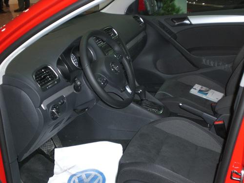 Volkswagen Golf. 100.000 km. Asientos delanteros