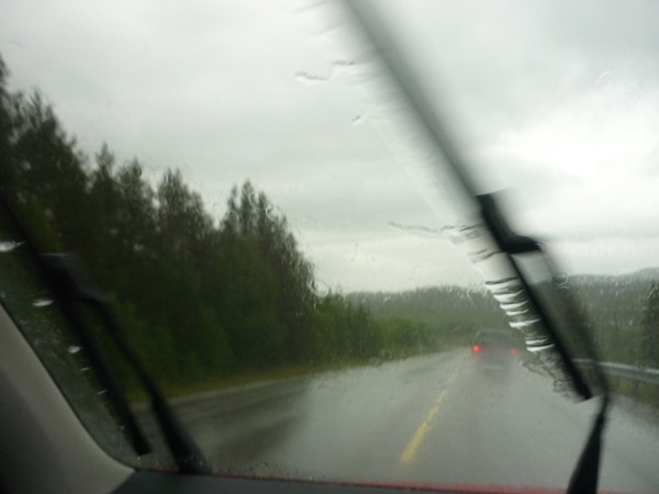 LLuvia.Noruega. Volkswagen Golf. Limpiaparabrisas.