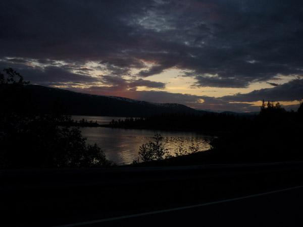0011-Fiordo. Mo i Rana. Luz en el agua.