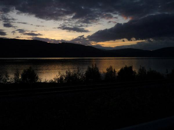 0014-Fiordo. Mo i Rana. Luz en el agua.