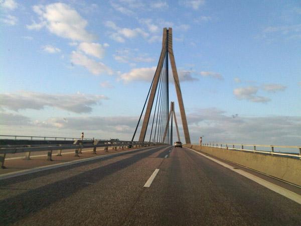 Primer Puente. Dinamarca. Del trópico al Círculo Polar. 100.000 km en Volkswagen Golf.