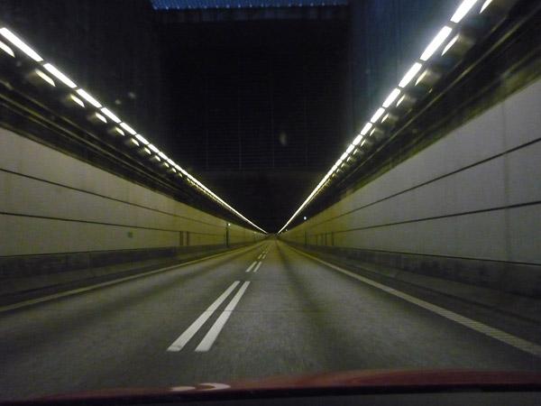 Túnel Dinamarca - Suecia. Interior túnel. Del trópico al Círculo Polar.