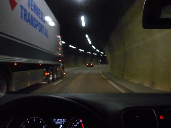 Túnel en Oslo. Noruega. Del Trópico al Ártico.