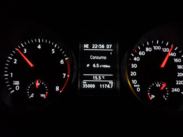 Volkswagen Golf. Del trópico al Ártico. Autopista A-10. Francia. Consumo.
