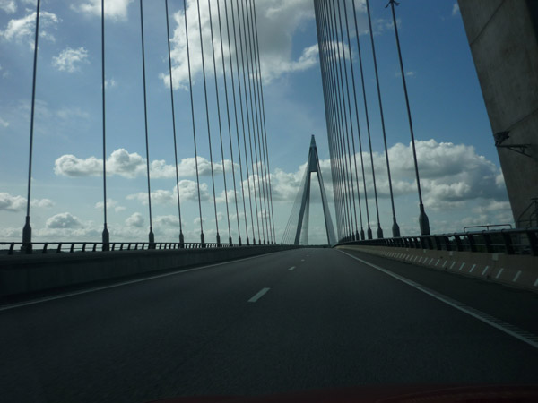 010-nice-bridge-sweden