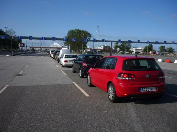 Cola. Ferry Alemania Dinamarca.