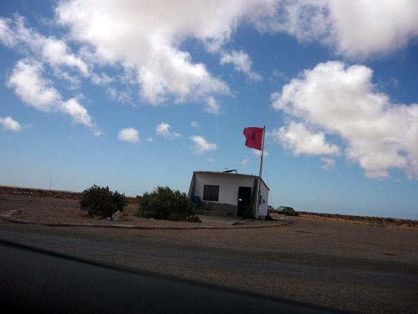 Sahara occidental. Caseta de policía.