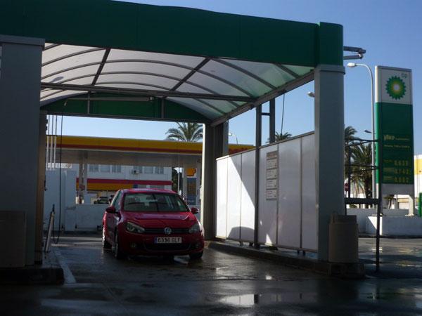 Volkswagen Golf. 100.000 km. Lavado Ceuta.