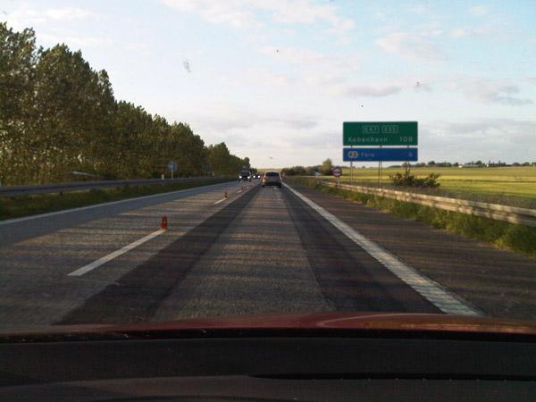 Del trópico al Círculo Polar. 100.000 km en Volkswagen Golf. Cartel Copenague. Obras.