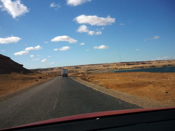 Sahara Occidental. El Aaiún. Puente.