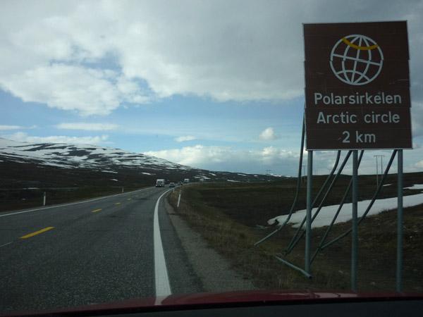0003-círculo polar Ártico. A 2 kilómetros.