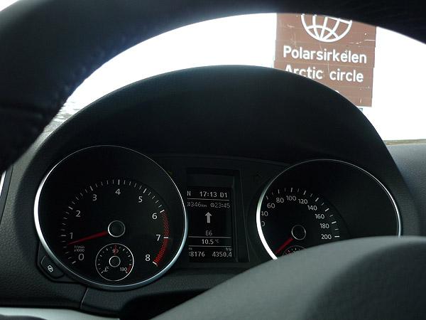 0004-Círculo Polar Ártico. Cuadro instrumentos Volkswagen Golf.