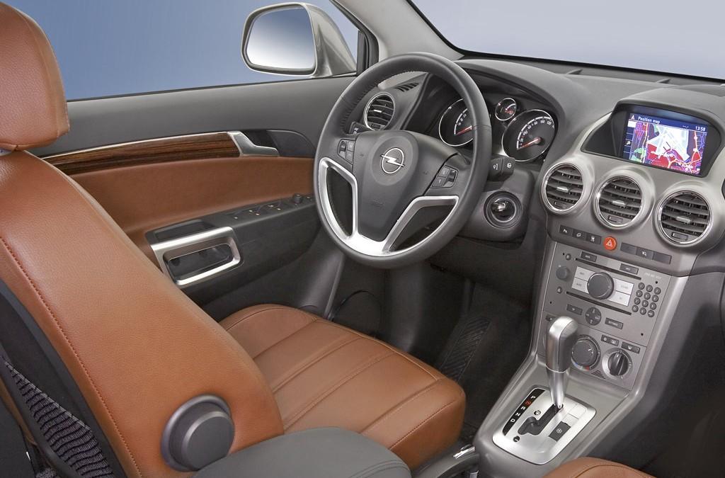 Opel Antara, ahora con tracción delantera. En venta desde 23.750 €.
