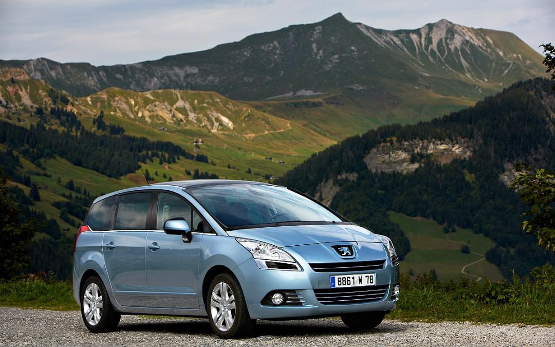 Peugeot pone en venta el 5008, un nuevo monovolumen de siete plazas.