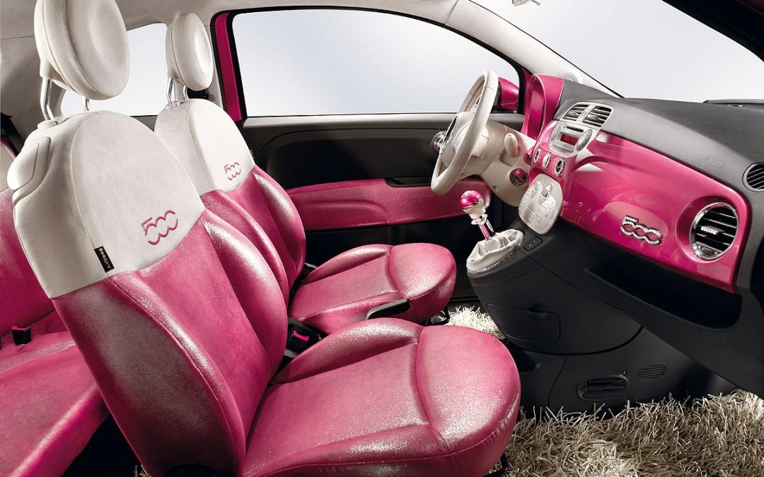 Fiat 500 Pink, el coche de Barbie. En venta por 15.000 €.