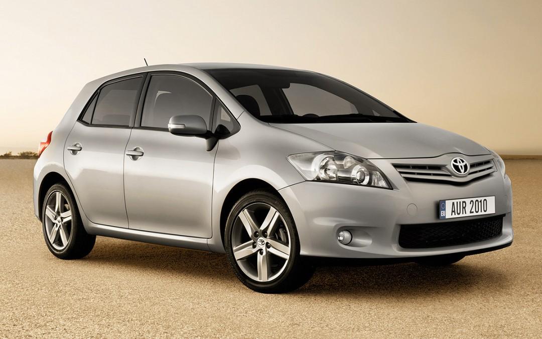 Cambios para el Toyota Auris. Versión híbrida para junio.