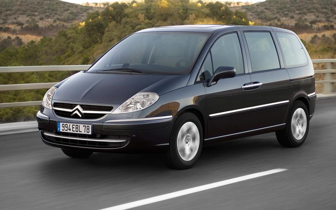 Nuevos motores y menor consumo para el Citroën C8