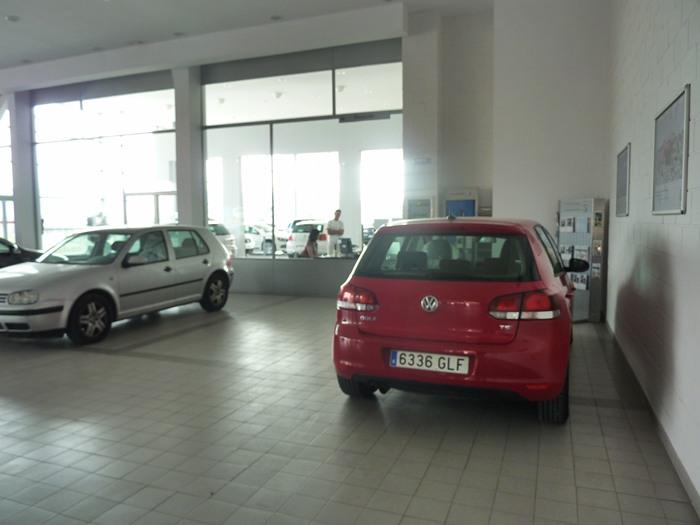 Volkswagen Golf reparado. Tres semanas y media de espera.
