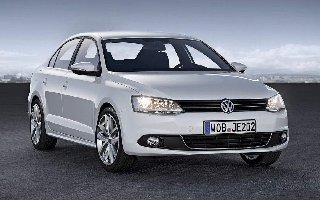 Nuevos motores de gasolina para Volkswagen Jetta. Desde 19.620 Euros.