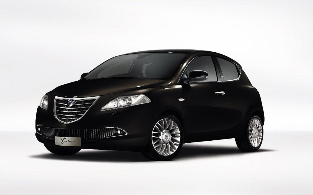 Nuevos Lancia Voyager y Thema en venta. Todos los precios, ahora con descuento.