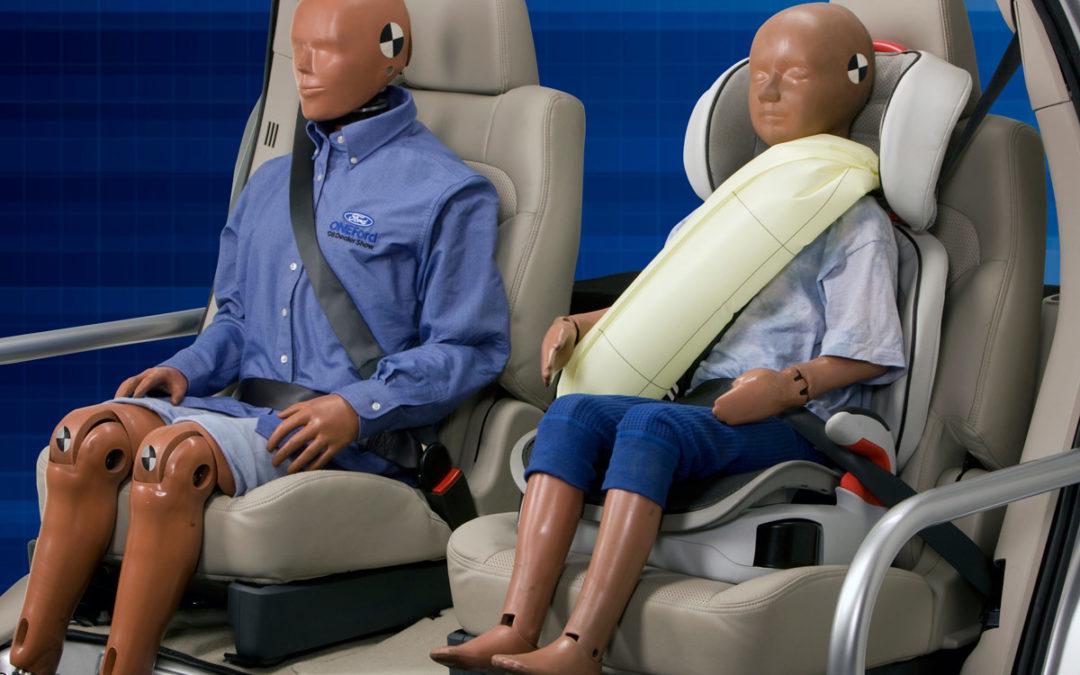 Ford. Cinturones traseros con airbag
