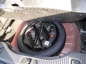 Opel Mokka. Rueda de repuesto de medidas de emergencia