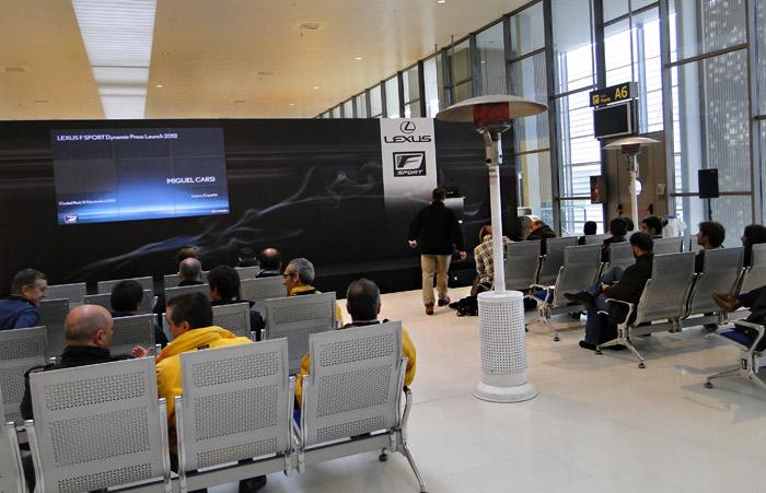 Presentación gama Lexus F Sport. Rueda de prensa en puerta de embarque