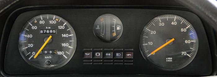 Ford Fiesta (1976). Instrumentación