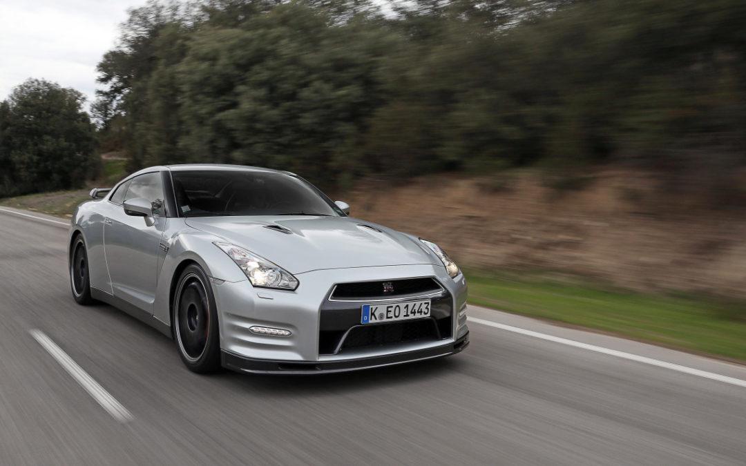 Especial Nissan GT-R. Versión más radical para el mercado español. Subasta benefica con Usain Bolt