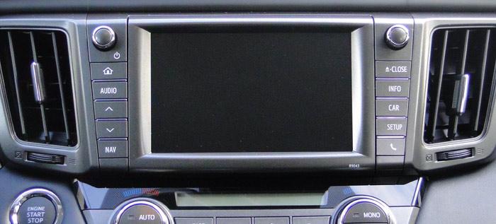 Toyota RAV4. Pantalla táctil en el salpicadero