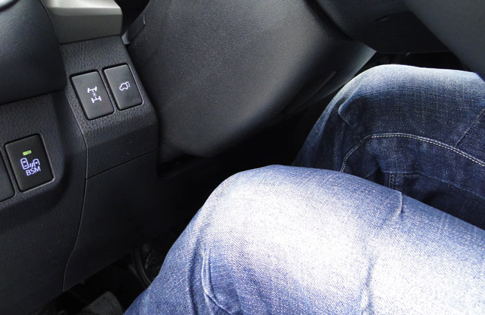 Toyota RAV4. Columna de dirección