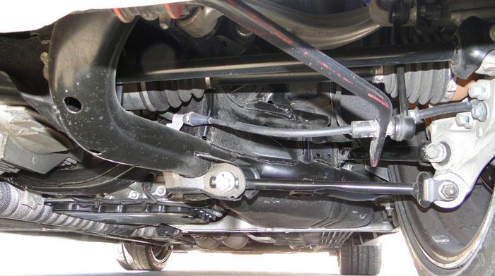 Nissan Juke R de 545 CV. Suspensión delantera