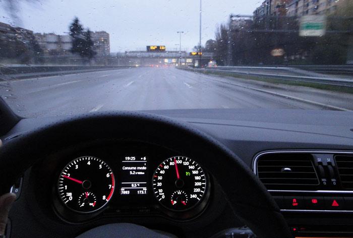 Volkswagen Polo BlueGT. Primer recorrido de consumo por la M30. Programador de velocidad conectado