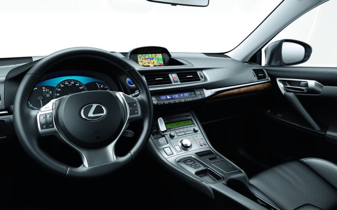 Lexus CT 200h Move On White Edition, nueva edición limitada
