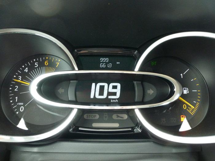 Renault Clio 2013. Cuadro de instrumentos. 999 km