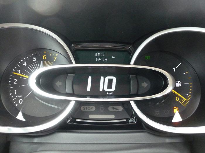 Renault Clio 2013. Cuadro de instrumentos. 1000 km