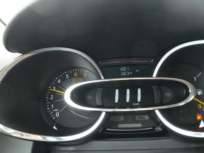 Renault Clio 2013. Cuadro de instrumentos. 1001 km