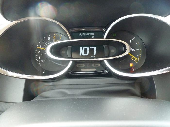 Renault Clio 2013. Cuadro de instrumentos. Autonomía
